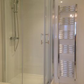 Walk-in shower - Loughton